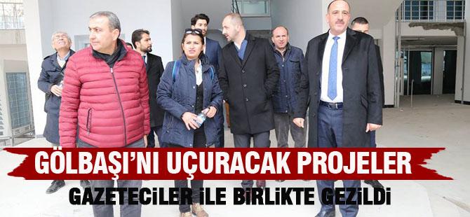 Duruay, gazetecilerle birlikte projeleri gezdi