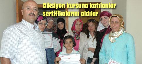 Diksiyon kursunu bitirenlere sertifikaları verildi