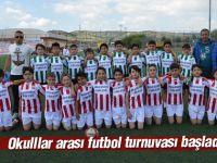 Okullar arası futbol turnuvası başladı